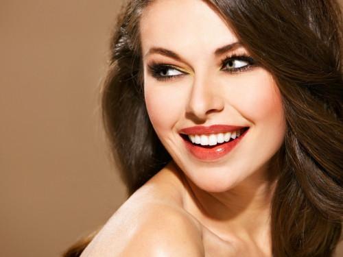 Улыбка - твое лучшее орудие красоты!