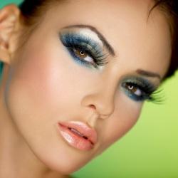 Как сделать эффектный вечерний макияж