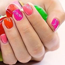 Как выбрать гель и лак для ногтей. Секреты красивого маникюра в домашних условиях