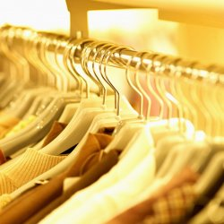 Выбираем женскую одежду: необходимый гардероб